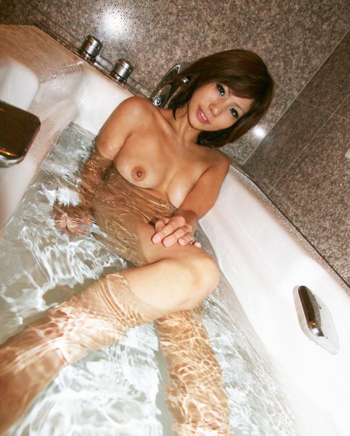 【入浴エロ画像】女の子の入浴シーン見たいやつ!ちょっと来い! 30