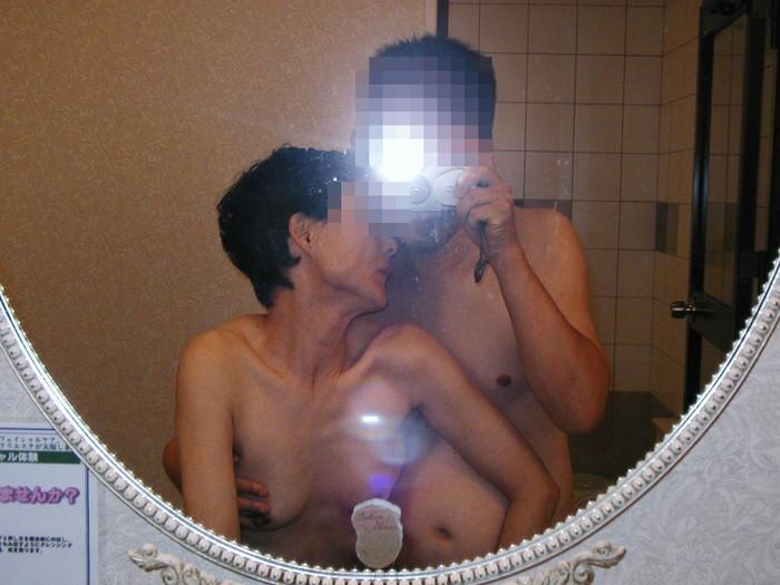 【カップル鏡撮りエロ画像】自分たちのセックスの記録を撮影するカップル! 03