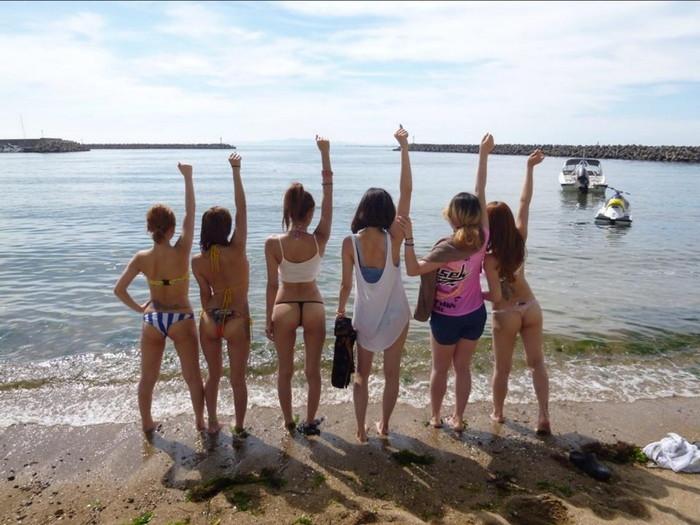 【悪ノリエロ画像】集団になった女の子たちってこんなに大胆なんだぜ!ww 18