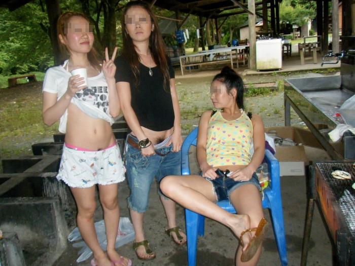 【悪ノリエロ画像】集団になった女の子たちってこんなに大胆なんだぜ!ww 25