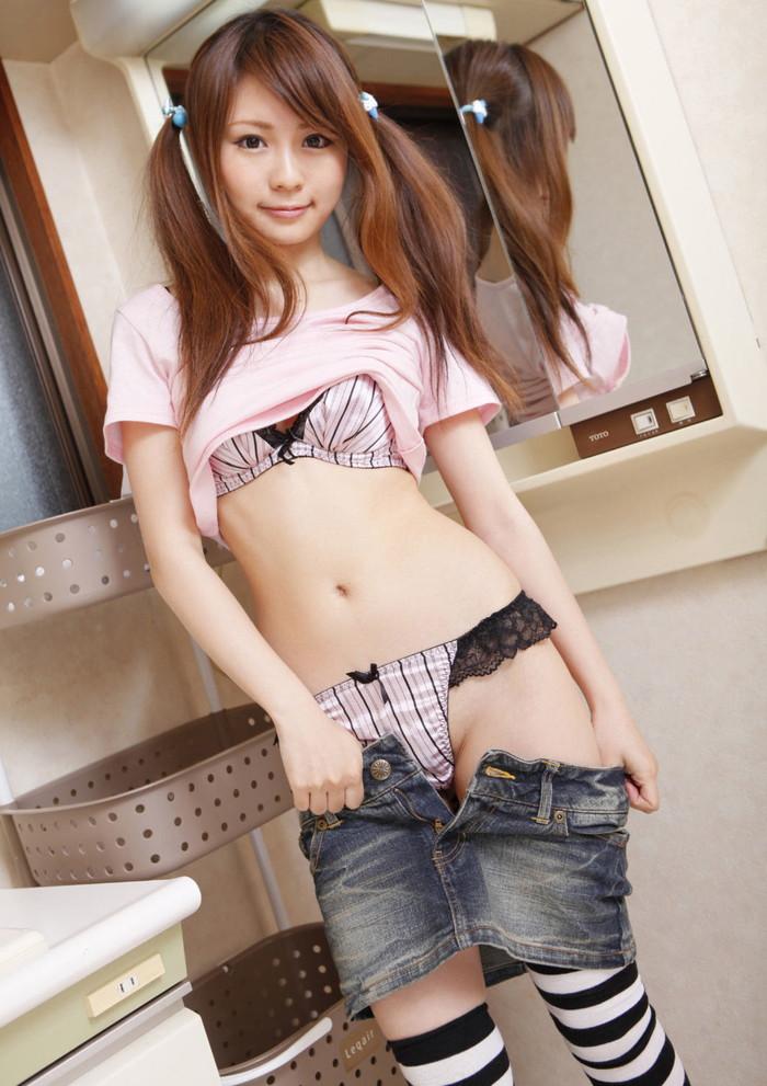 【セクシーランジェリーエロ画像】美しい!そしてエロい!2つの魅力を併せ持つランジェリー! 14