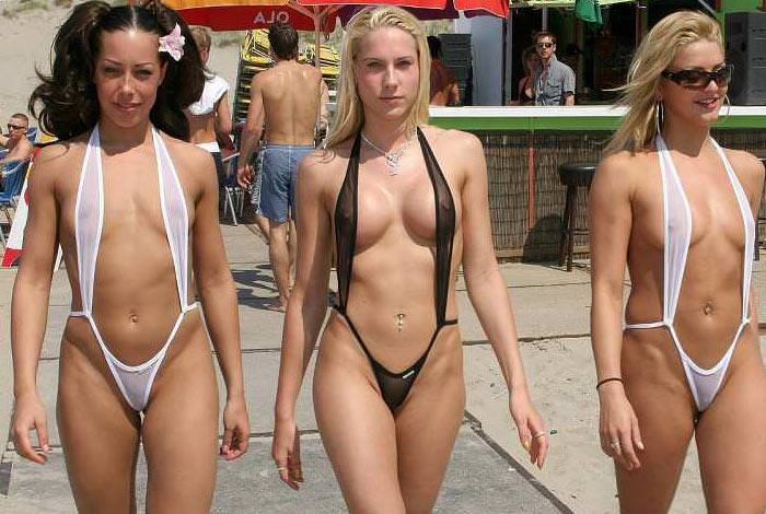 【過激水着エロ画像】こんなの水着って言えるのか?全裸よりエロい過激水着! 21