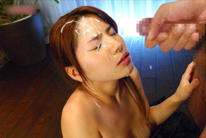 【顔射エロ画像】女の子の可愛い顔にドロッドロのザーメンがたっぷり… 08