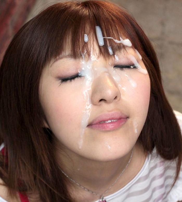 【顔射エロ画像】女の子の可愛い顔にドロッドロのザーメンがたっぷり… 17