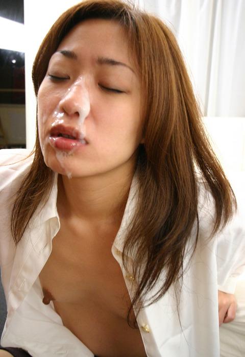 【顔射エロ画像】女の子の可愛い顔にドロッドロのザーメンがたっぷり… 18
