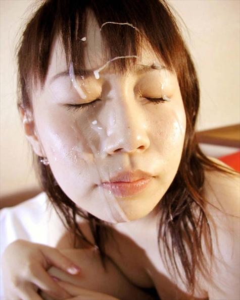 【顔射エロ画像】女の子の可愛い顔にドロッドロのザーメンがたっぷり… 21