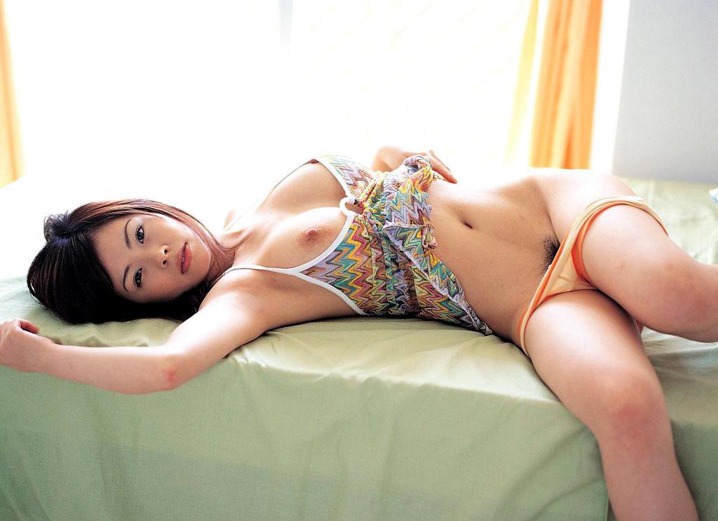 【紋舞らんエロ画像】惜しまれつつAV引退!エロすぎ注意の弾けた性格のAV女優!