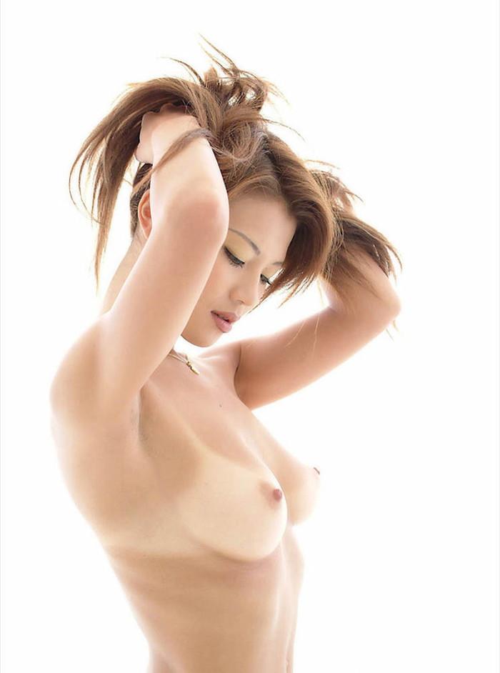 【美乳エロ画像】神の与えた美乳!こんな美乳なら大きさなんて大した事じゃないだろ!? 04