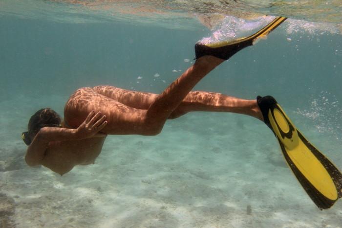 【全裸スポーツエロ画像】すっ裸でスポーツする海外女子!正気なのだろうかww 16