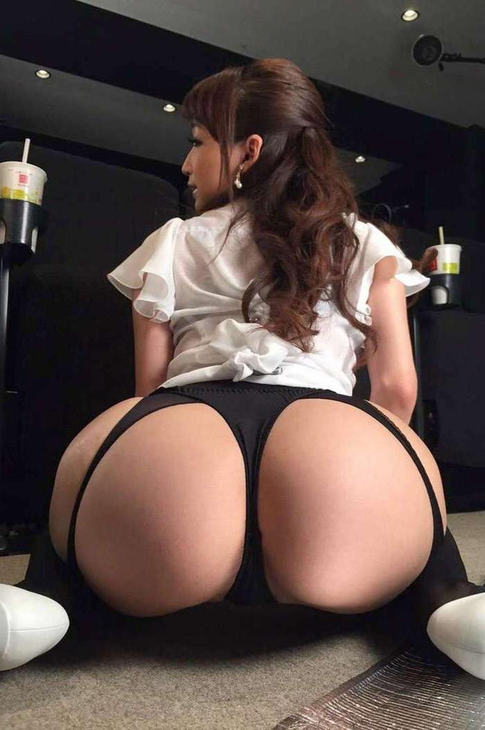 【Tバックパンティーエロ画像】お尻をセクシーに演出するパンティーといえばこれww 24