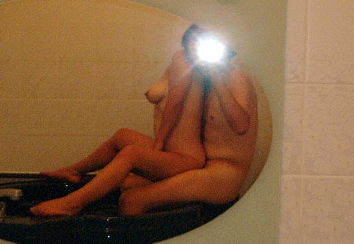 【カップル鏡撮りエロ画像】鏡を利用して自分たちのセックスを撮影するカップル! 05