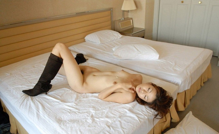 【SEX事後エロ画像】SEXを終えて心地よい疲労感の中、至福の表情を浮かべる女達 16