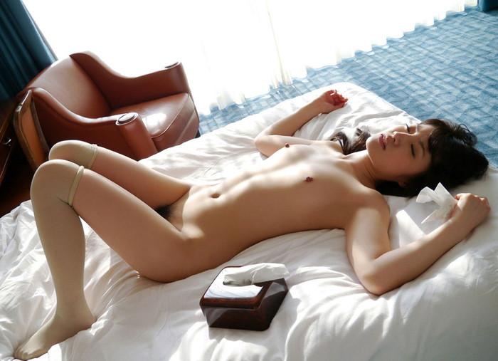 【SEX事後エロ画像】SEXを終えて心地よい疲労感の中、至福の表情を浮かべる女達 18