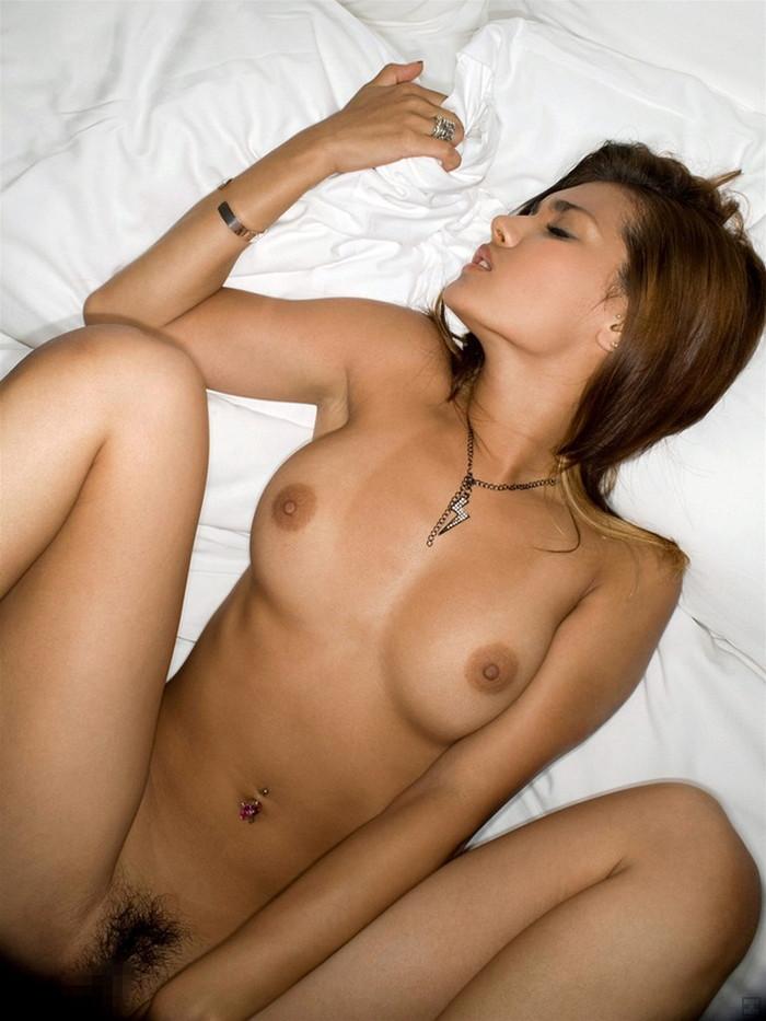 【正常位エロ画像】ダレもが経験するセックスの体位といえばやっぱり正常位! 06