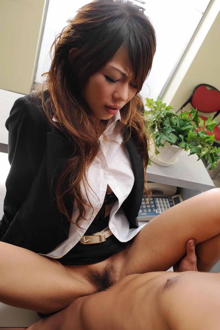 【着衣セックスエロ画像】着衣セックスっていいもんだな!乱れた着衣の女子に大興奮! 03