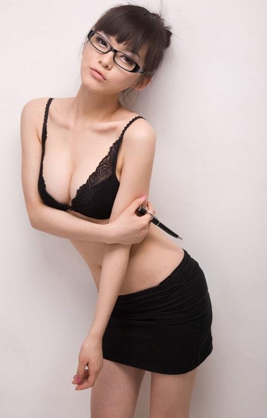 【眼鏡女子エロ画像】普段は眼鏡で隠されているメスの本性!このギャップに萌ッ!! 06