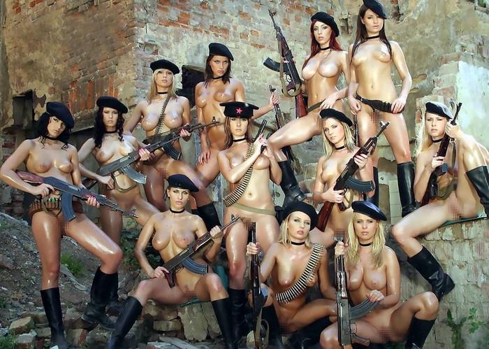 【海外悪ノリエロ画像】女の子達が悪ノリしてハメを外してしまったエロ画像 14