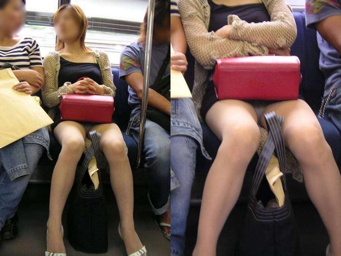 【対面パンチラエロ画像】対面に座った女の子のスカートの中身、見たいだろ!? 25