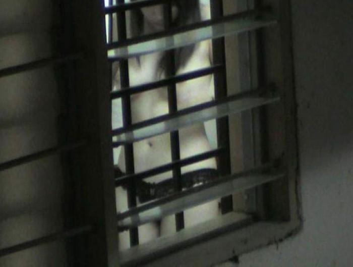 【民家盗撮エロ画像】無防備すぎるだろ!?自宅でうっかり盗撮魔の餌食になった女の子! 02