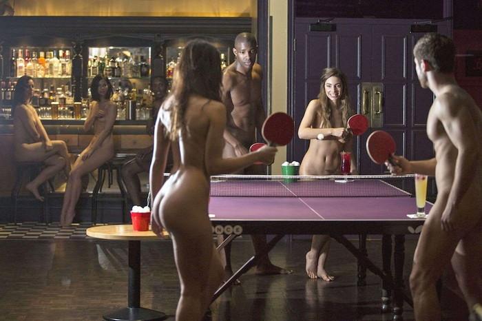 【全裸スポーツエロ画像】一体なぜ全裸で!?全裸でスポーツする海外女子がめちゃエロッ! 10