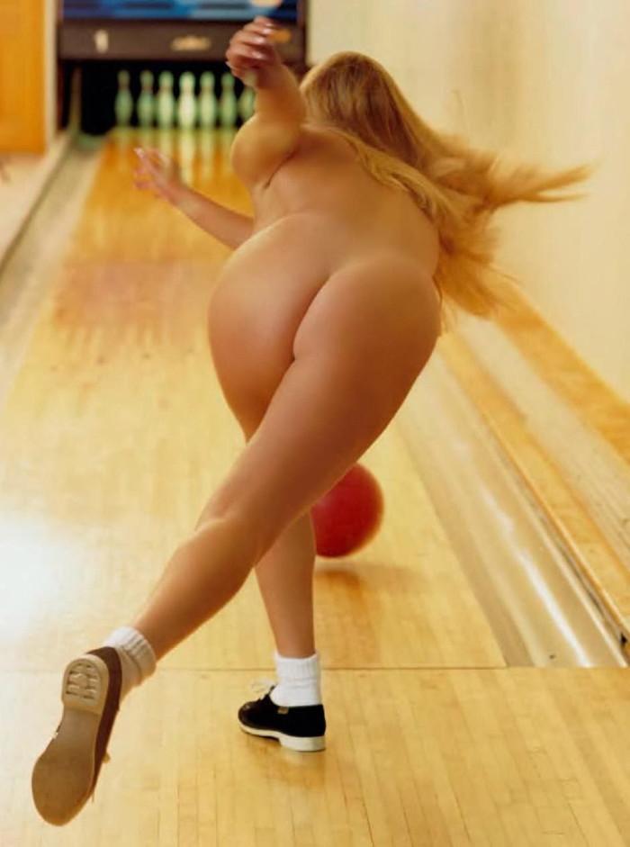 【全裸スポーツエロ画像】一体なぜ全裸で!?全裸でスポーツする海外女子がめちゃエロッ! 12