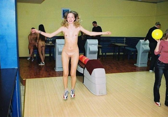 【全裸スポーツエロ画像】一体なぜ全裸で!?全裸でスポーツする海外女子がめちゃエロッ! 18