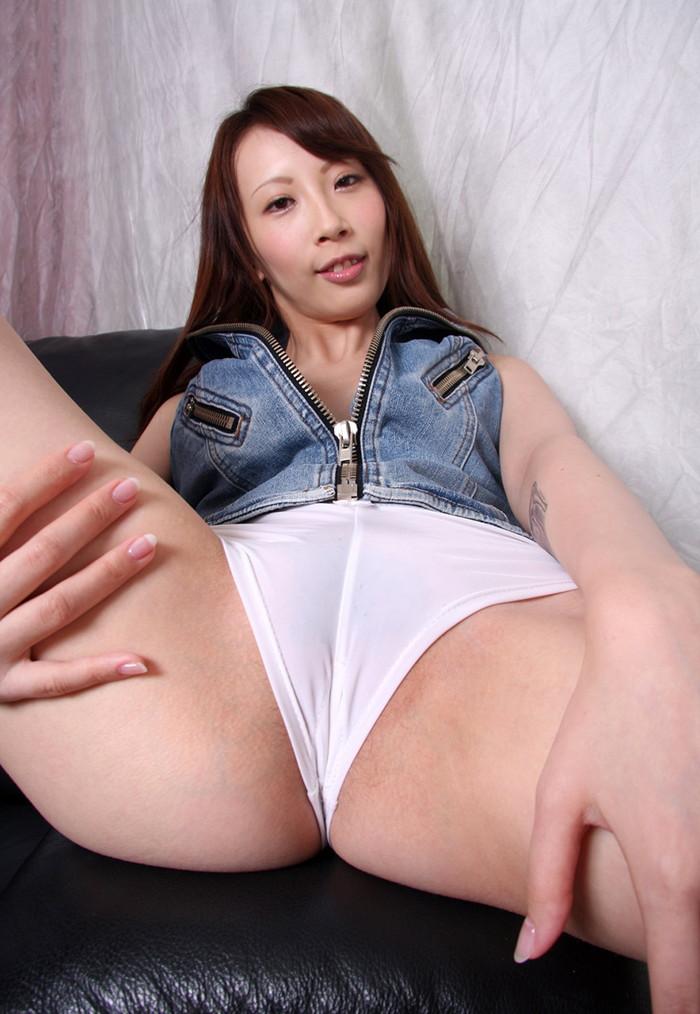【希咲あやエロ画像】色白スレンダーボディー!なにより最高の極小の美マン! 03