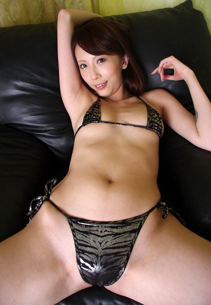 【希咲あやエロ画像】色白スレンダーボディー!なにより最高の極小の美マン! 04