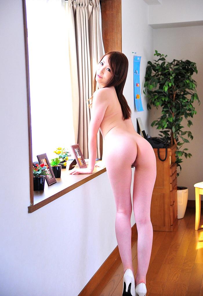 【希咲あやエロ画像】色白スレンダーボディー!なにより最高の極小の美マン! 15