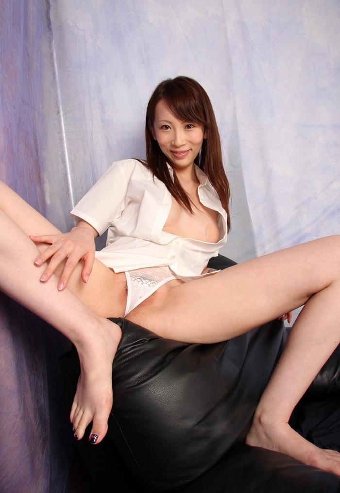 【希咲あやエロ画像】色白スレンダーボディー!なにより最高の極小の美マン! 23
