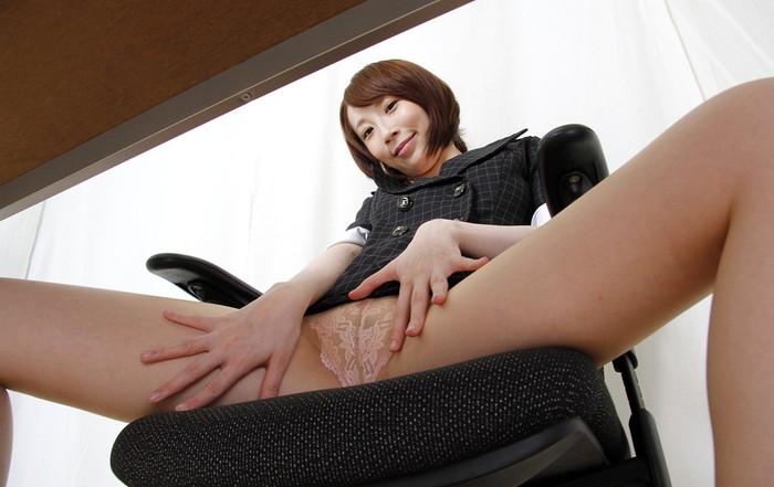【希咲あやエロ画像】色白スレンダーボディー!なにより最高の極小の美マン! 25