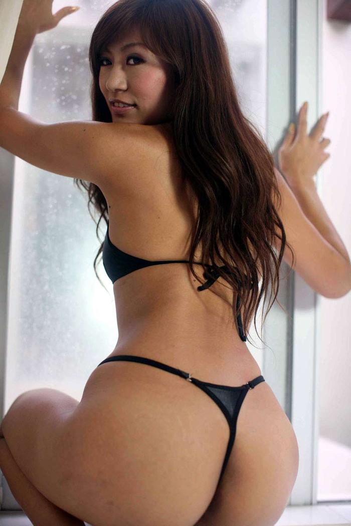 【Tバックエロ画像】お尻をよりセクシーに美しく!Tバックパンティーってエロい! 03
