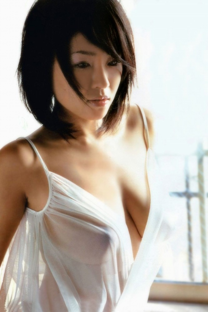 【スケスケエロ画像】見事に透けた着衣の下の美しい裸体に視線を奪われてしまいそう。 08
