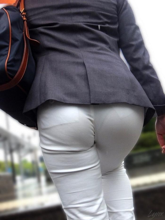【下着透けエロ画像】街中でこんな光景みたことあるだろ?下着の透けてる女の子! 28