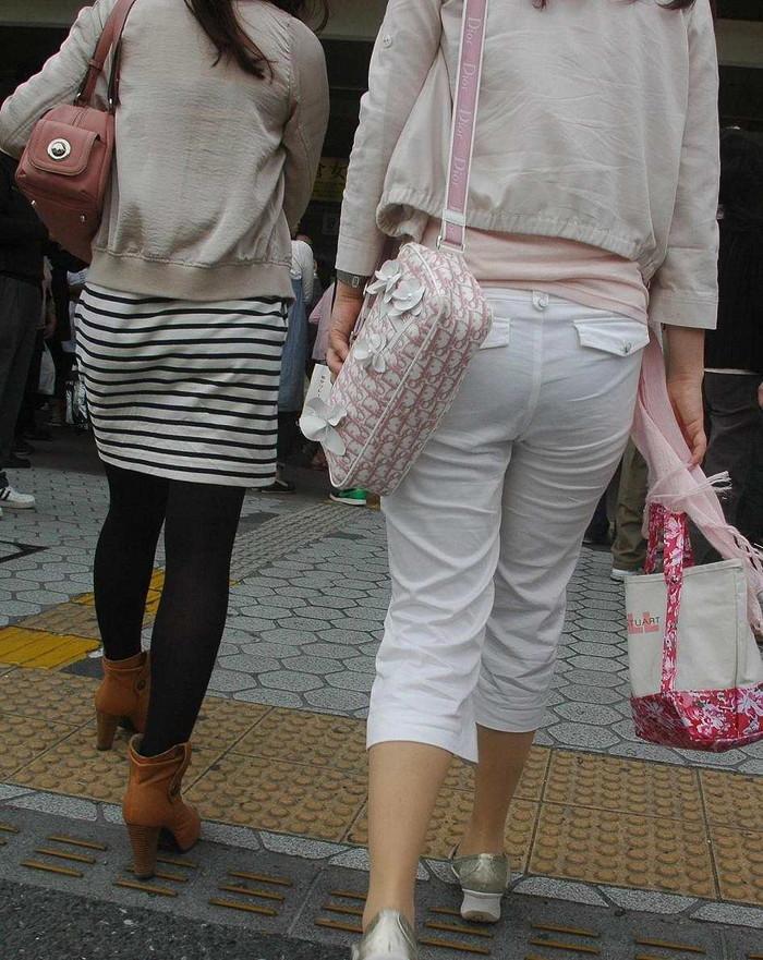 【下着透けエロ画像】街中でこんな光景みたことあるだろ?下着の透けてる女の子! 32