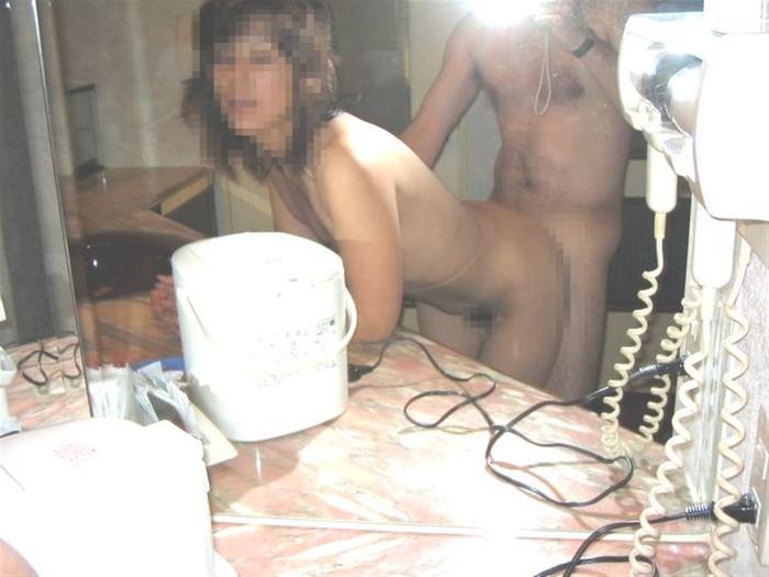 【鏡撮りエロ画像】鏡に映った自分たちのセックスを撮影しちゃった!ったやつ!w 14