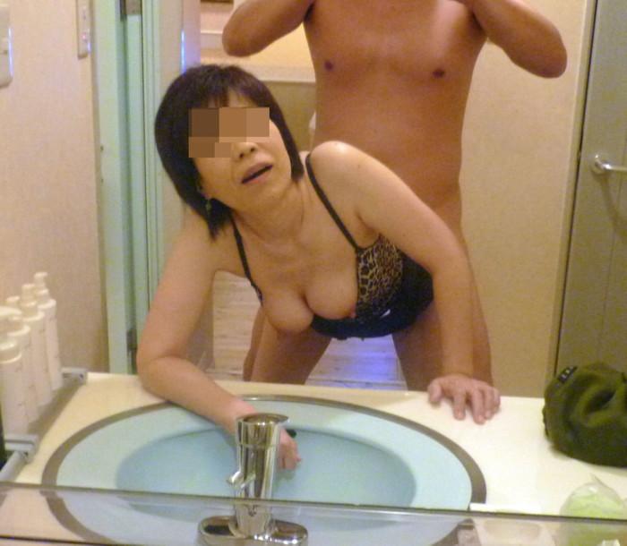 【鏡撮りエロ画像】鏡に映った自分たちのセックスを撮影しちゃった!ったやつ!w 18