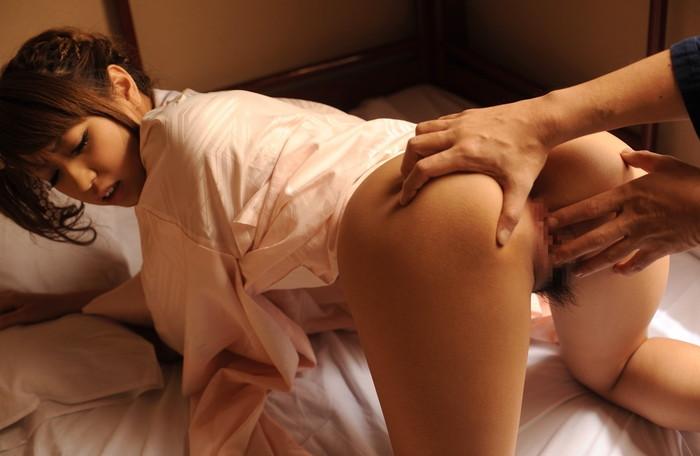 【手マンエロ画像】セックス前にどうしたってやってしまう前戯がコチラwww 12
