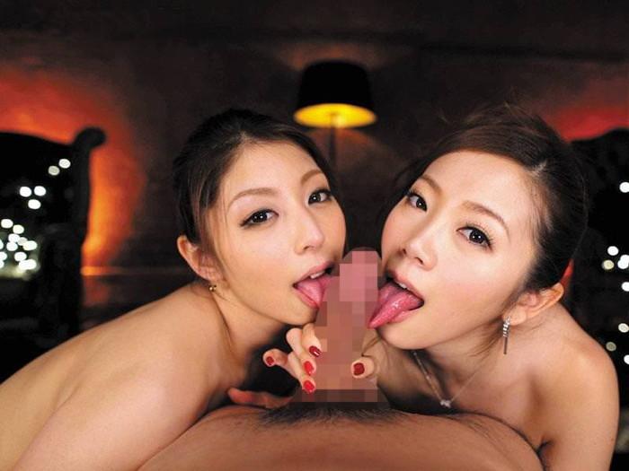 【ハーレムエロ画像】複数人の女の子が一本のチンポを仲良く愛おしげにフェラ奉仕! 25