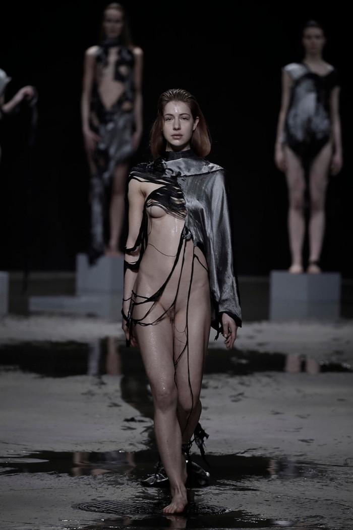 【ファッションショーエロ画像】これはストリップではなくファッションショーなんだぜ!?w 10