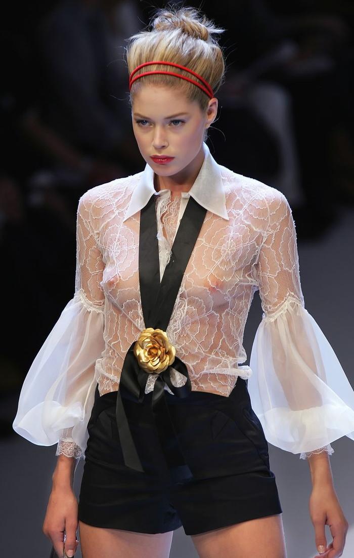 【ファッションショーエロ画像】これはストリップではなくファッションショーなんだぜ!?w 20