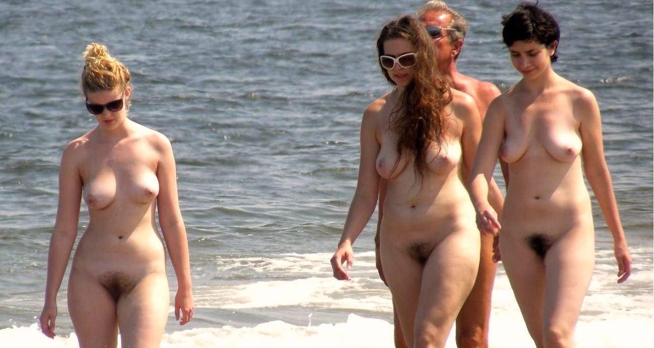 【ヌーディストビーチエロ画像】暑い夏はこんな場所で思いっきり楽しみたいぜ!