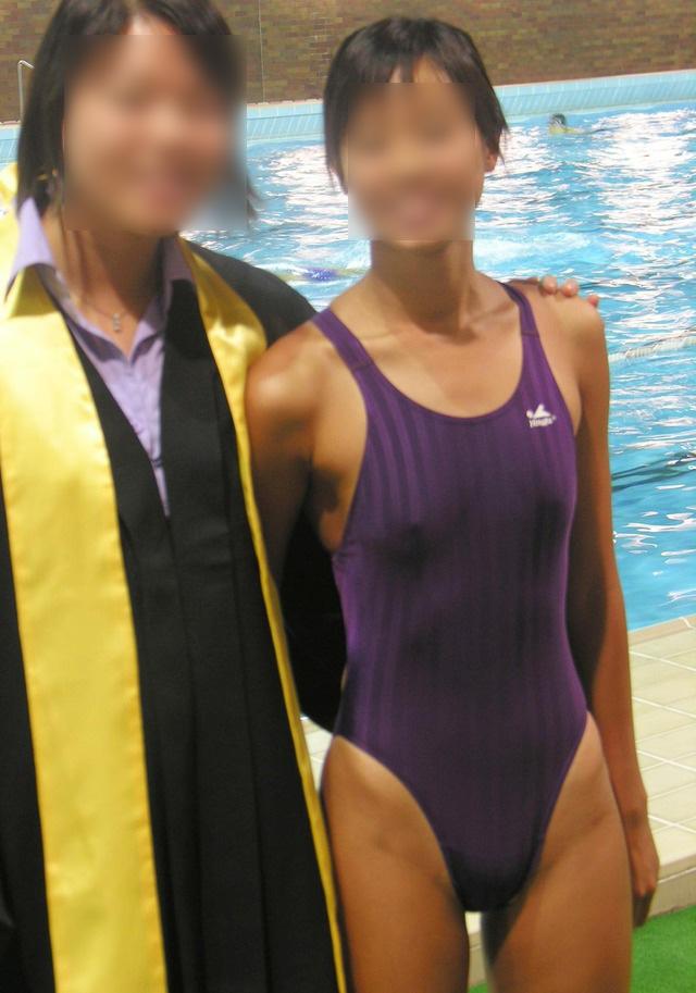 【水着胸ポチエロ画像】水着に浮き彫りになった女の子の乳首に感動!www 20