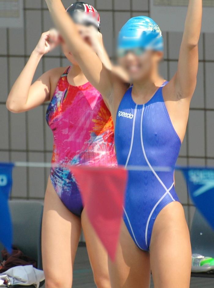 【水着胸ポチエロ画像】水着に浮き彫りになった女の子の乳首に感動!www 30