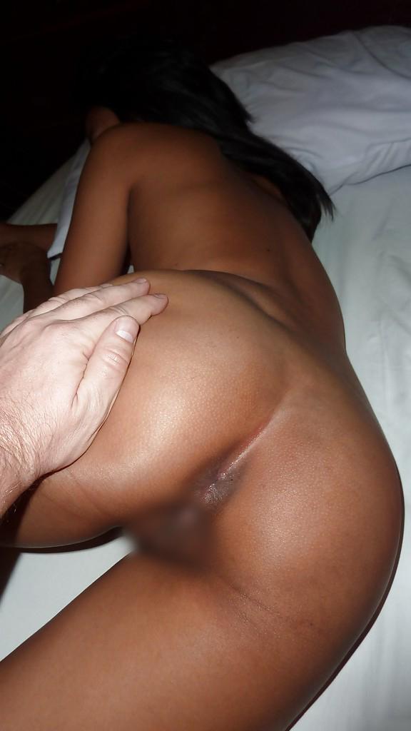 【タイ人女性エロ画像】タイ人の素人女性たちの卑猥なハメ撮りされちゃった画像? 08