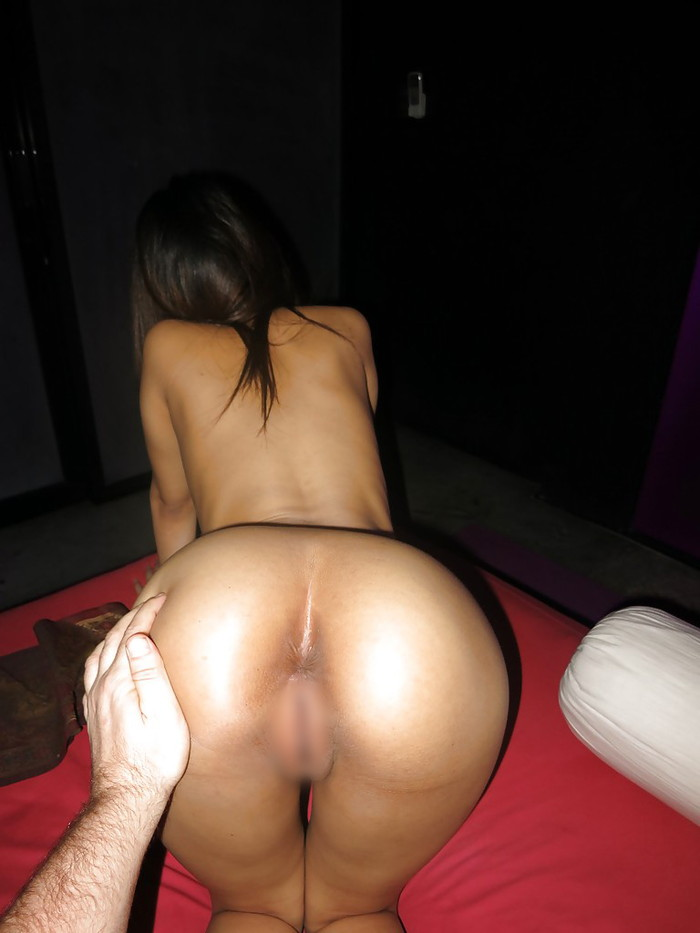 【タイ人女性エロ画像】タイ人の素人女性たちの卑猥なハメ撮りされちゃった画像? 17