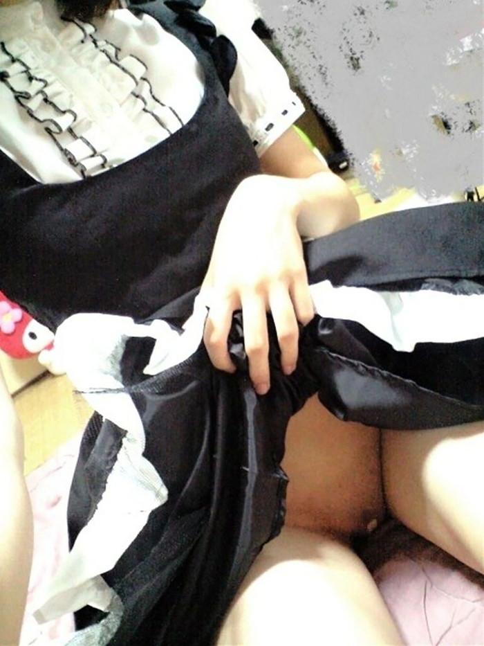 【股間絆創膏エロ画像】こんな自主規制なら歓迎だな!股間を絆創膏で規制する女の子! 31