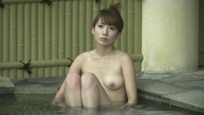 【女湯盗撮エロ画像】これが女湯!?リアルな女風呂の光景に感動の涙www 02