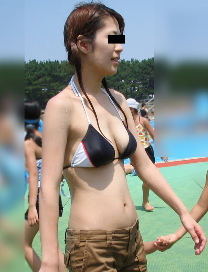 【乳首透けエロ画像】ノーブラ女子の乳首ポッチ!思わず手を伸ばして摘みたくなるよな! 15