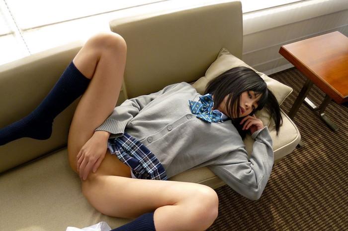 【JKコスプレエロ画像】コスプレといえどこれはイケる!まだまだ現役で通りそうなJKコスプレした女の子! 20